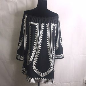 Tops - Boho Chic tunic Black/White printed blouse!